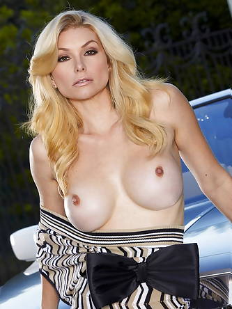 Porn Pics, Twistys